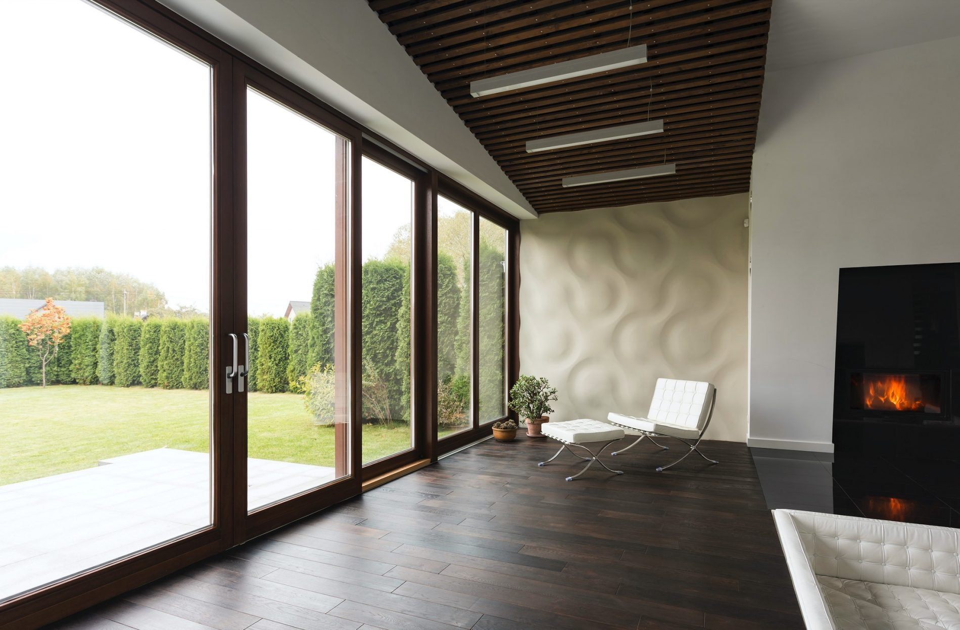 House Window Tint Useful Information And The Pros & Cons of Using It - Home Window Film in Buffalo, New York